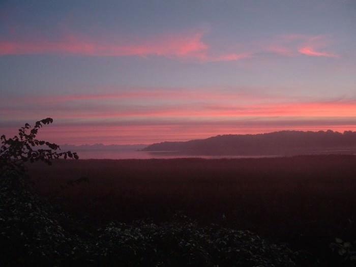 Ausblick auf einen herbstlichen Sonnenaufgang Ferienhaus bei Sonnenaufgang