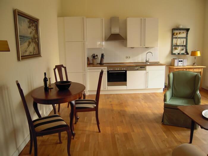 Wohnzimmer und Küche Wohnung 7 Gut Grubnow