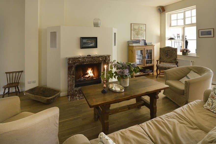 Mainroom - Fireplace